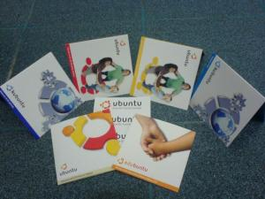 CD dan Stiker Ubuntu