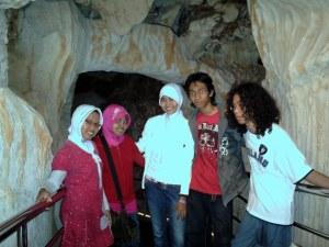Di dalam gua serangga