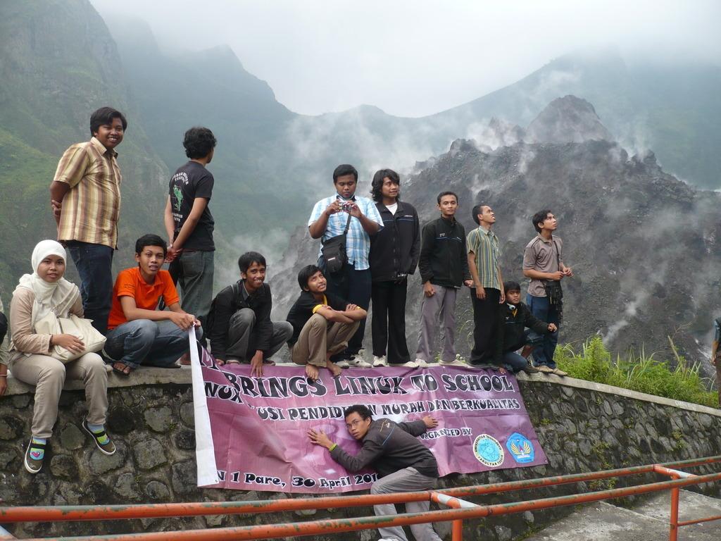 Pusat kawah Gunung Kelud