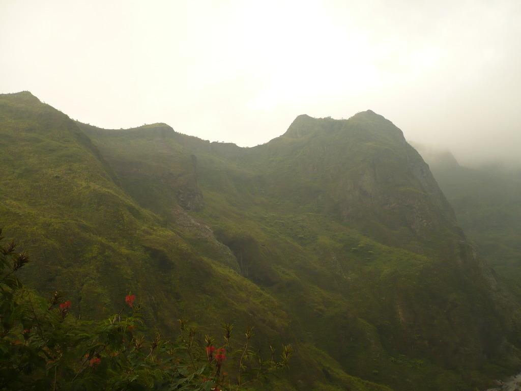 Tebing-tebing di Gunung Kelud