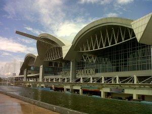 bandar udara di Makassar